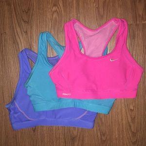 Nike dri fit sports bras size small